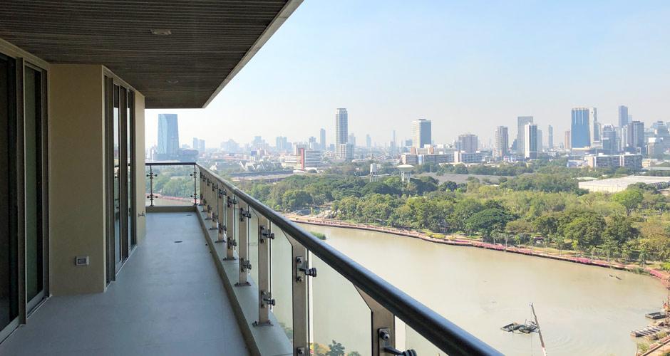97-lakes1903-balcony-01